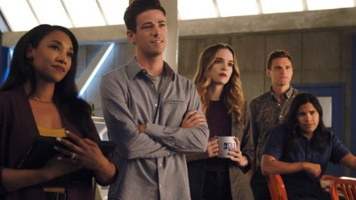 The Flash (2014) 06x01 : Into the Void- Seriesaddict